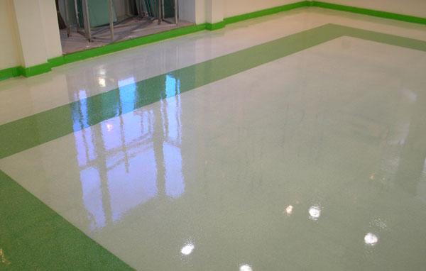 resine per pavimenti su cemento