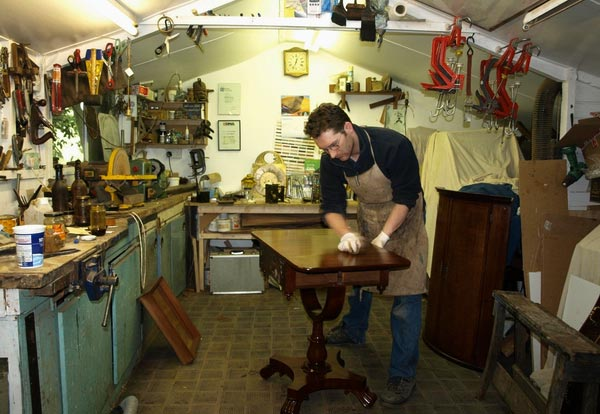 Restaurare mobili antichi for Mobili vecchi da restaurare