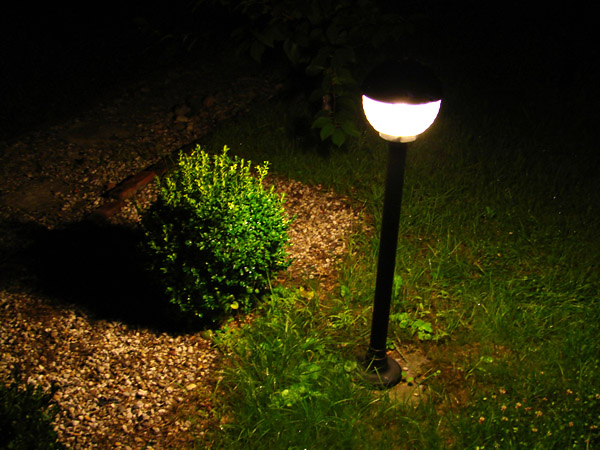Illuminazione giardino for Illuminazione da giardino a led